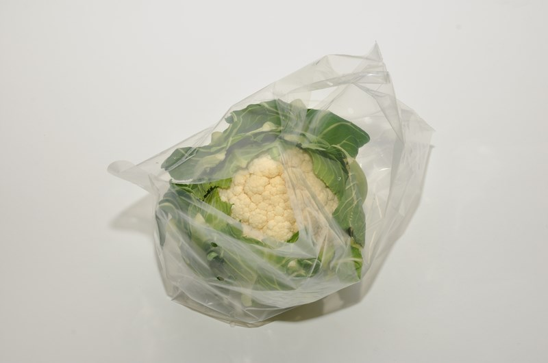 The Wicketted Cauliuflower Bag has been specifically designed for packaging cauliflowers. The bag is presented on a special metal cranked wicket wire (staple) in packs of 300 bags and is sold in boxes of 3000 bags